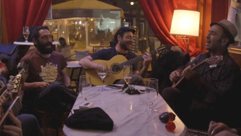 Nits gregues a Barcelona. Reportatge de Pau Benavent